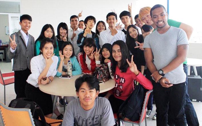 インドネシア語・ベトナム語・タイ語コースの在学生たちが文化実地研修を行っています!
