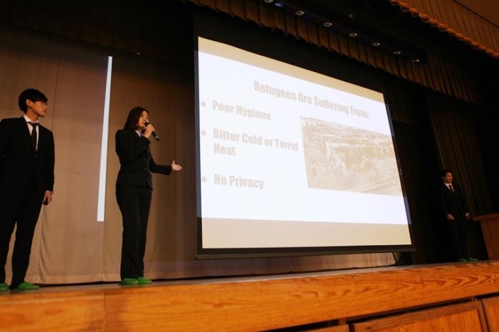 本学講師、学生による「英語プレゼンテーション」出前授業が東京都稲城第六中学校で開催されました