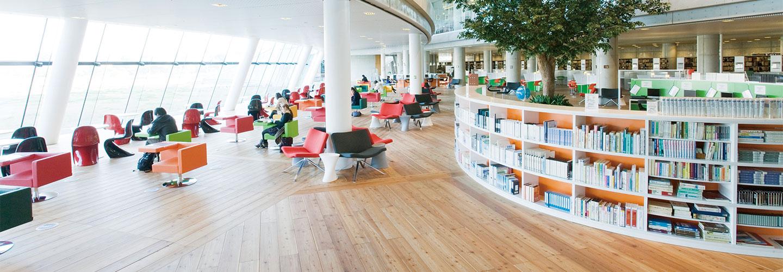 7号館 図書館