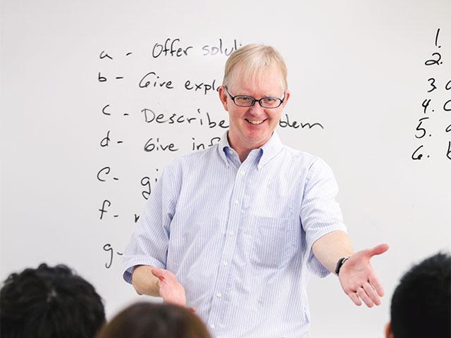 神田外語タスクベース教授法について
