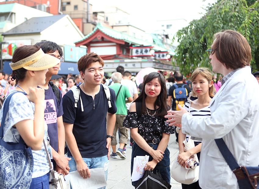 国際観光科1年生が浅草での観光ガイド実習を行いました