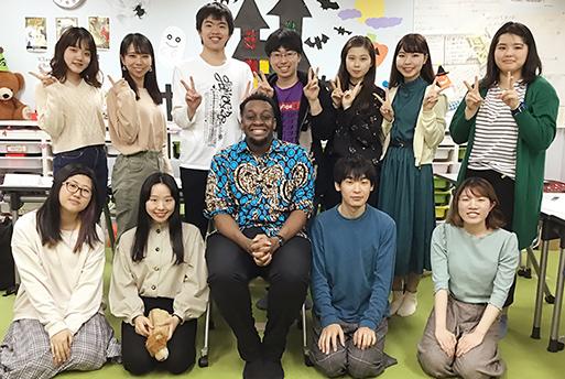 【特別授業】神田外語キッズクラブ外国人講師による異文化理解の授業を実施しました