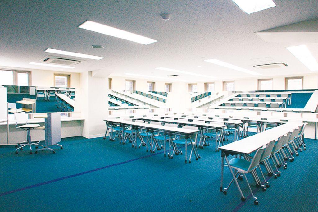 国際エアライン科 教室