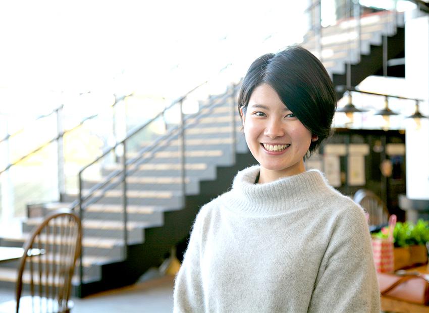 卒業生が日本航空株式(JAL)に運行乗務員訓練生として入社。本学から女性パイロット誕生へ