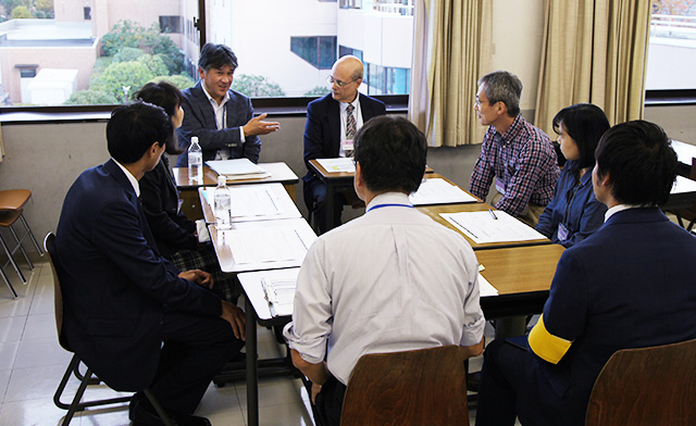 神田外語大学 保護者会